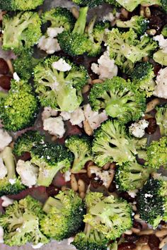 Broccoli salad with cranberries Vegan Recipes For One, Vegan Recipes Plant Based, Vegan Recipes Beginner, Vegan Recipes Videos, Veg Recipes, Easy Healthy Recipes, Whole Food Recipes, Vegetarian Recipes, Cooking Recipes