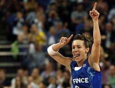 Céline Dumerc, vice championne olympique sacrée sportive de l'année par les auditeurs de Radio France rejoint le Team Sport Puressentiel.