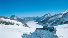 Discover the best luxury ski chalets in Grindelwald. Enjoy a luxury ski holiday in Grindelwald with our exclusive range of luxury chalets. Best Of Switzerland, Switzerland Hotels, Monaco, Luxury Ski Holidays, Sphinx, Jungfraujoch, Destinations, Best Ski Resorts, Holidays Around The World