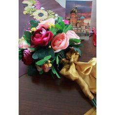 """""""Gelin çiçeği  #nişantacı #gelintacı #düğüntacı #gelinçiçeği #gelinbuketi #nişan #wedding #gelin #bride #masaörtüsü #party #love #flower #çiçek…"""""""