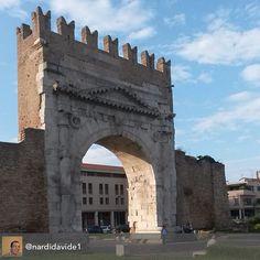 Il maestoso Arco D'Augusto #myrimimi #raccontarimini @comunerimini @nardidavide1