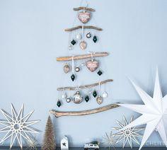 Ein DIY Adventskalender für Mädchen aus recycelten Materialien in den Trendfarbe Altrosa und Senfgelb - jetzt auf ichliebedeko.de Dream Catcher, Home Decor, Dusty Pink, Recyle, Simple Diy, Love, Christmas, Deco, Crafting