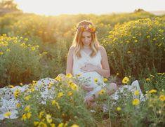 Flower Fields Maternity Photos - Maternity Photography / Maternity Photoshoot / Baby Bump Photos