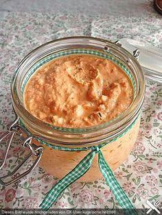 Fetacreme mit Paprika und Kräutern cremiger Schafskäsedip, besonders lecker mit Fladenbrot beim Grillen