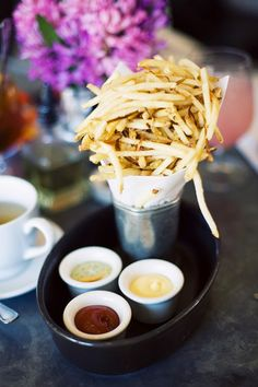 French Fries - I want this for every wedding guest. #CupcakeDreamWedding