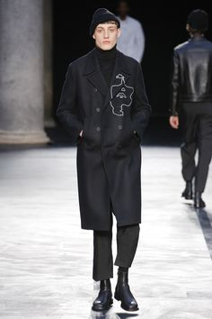 Neil Barrett Fall 2017 Menswear Collection Photos - Vogue