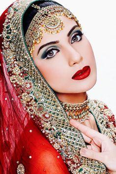 ༻⚜༺ ❤️ ༻⚜༺ #IndianBride #ExoticBeauty #BeautifulWomenOfIndia #EyeMakeUp ༻⚜༺ ❤️ ༻⚜༺