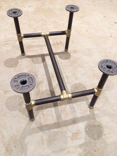 Black steel threaded pipe table legs gives a great industrial look to any table top. Length: 61cm Width: 45cm Height: 35cm It will come in a few pieces to save cost on shipping. Very easy to assemble, just screw together. If you have any questions or would like a different size, just ask :)