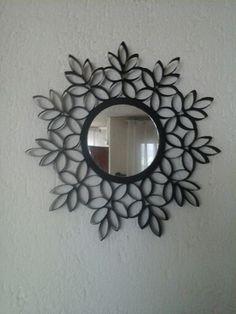 Espejo con marco de rollo de papel