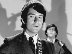 Sheesh! Mike looks so good here!! (Mike Nesmith, Micky Dolenz The Monkees)
