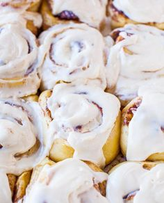 Overnight Buttermilk Soft and Fluffy Cinnamon Rolls - Like Cinnabons? You'll love these then! The softest & best cinnamon rolls with make-ahead option! At averiecooks.com