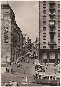Corso Matteotti da Piazza San Babila nel dopoguerra.. Milàn