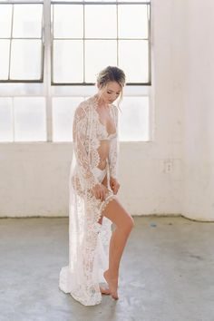 Swan Queen long bridal lace robe gown with scalloped train in Ivory Jenna Dewan – GirlandaSeriousDream.com Wedding Dress Trends, Black Wedding Dresses, Wedding Dress Styles, Bridal Dresses, Formal Dresses, Elizabeth Messina, Satin Bows, Silk Satin, Casamento
