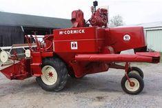 Case Tractors, Farmall Tractors, Old Tractors, International Tractors, International Harvester, Tractor Machine, Farming Technology, Combine Harvester, Compact Tractors
