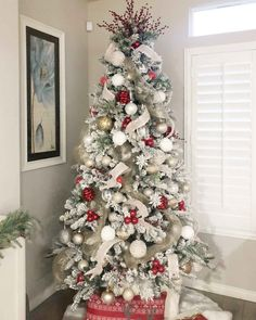 christmas tree themes 50 Reader Christmas Tree Beauties Youve Gotta See! Frosted Christmas Tree, Flocked Christmas Trees, Silver Christmas Tree, Beautiful Christmas Trees, Colorful Christmas Tree, Christmas Tree Themes, Christmas Tree Toppers, Christmas Home, Christmas Tree With White Decorations