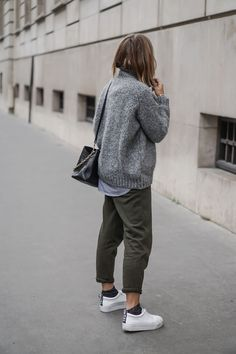 Winter jogging pants outfit best outfits casual winter o Edgy Style, Casual Chic Style, Mode Style, Mode Outfits, Fall Outfits, Casual Outfits, Fashion Outfits, Minimal Outfit, Minimal Fashion