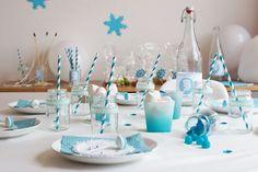 Une table d'anniversaire romantico-givrée (Reine des Neiges) - Eloely - Lire la suite : http://www.eloely.com/kids/6458-un-anniversaire-avec-la-reine-des-neiges-22-06-2015/