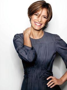 Glamour's Editor-in-Chief Cindi Leive Corporate Women Business Portrait, Corporate Portrait, Business Headshots, Corporate Headshots, Pose Portrait, Headshot Poses, Female Portrait, Headshot Ideas, Actor Headshots