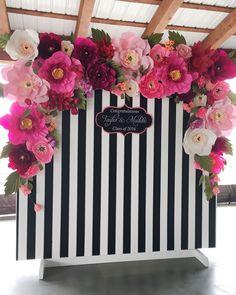 Beautiful Paper Flower Backdrop Wedding Ideas 27