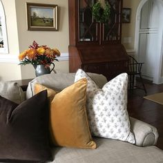 """180 Likes, 8 Comments - Sweet Carolina Belles (@sweetcarolinabelles) on Instagram: """"Feeling the 🍁FALL🍁 around here! A little close-up of these beautiful pillows by…"""""""