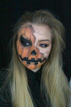 Halloween: Creepy Pumpkin Makeup Tutorial - Make Up Halloween Clown, Halloween 2018, Boy Halloween Makeup, Halloween Pumpkin Makeup, Halloween Images, Diy Halloween Face Paint, Facepaint Halloween, Halloween Series, Pumpkin Face Paint