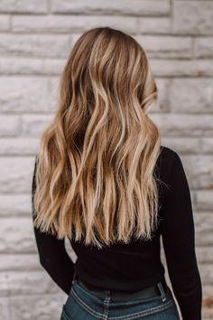 Blonde Wavy Hair hair My Hair — Just Josie Summer Hairstyles, Pretty Hairstyles, Hairstyles Wavy Hair, Wedge Hairstyles, Blonde Wavy Hair, Blonde Bolyage, Dark Blonde Hair With Highlights, Beach Waves Long Hair, Beach Blonde Hair
