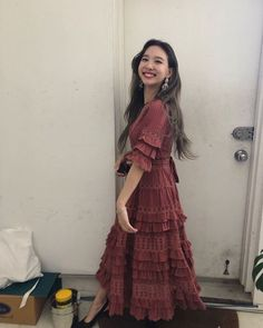 Zweimal Nayeon Fashion - Rotes Kleid - Twice Fashion - Korea Images Kpop Girl Groups, Korean Girl Groups, Kpop Girls, Lionel Messi, Marie Claire, Twice Fashion, Twice Clothing, Moda Kpop, Kpop Fashion