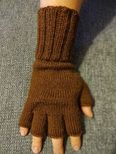 Hand Warmers, Fingerless Gloves, Mittens, Tatting, Knit Crochet, Knitting Patterns, Diy And Crafts, Sewing, Fashion