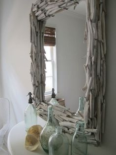 This is a diy mirror, fun right? The best thhing about it? Go to your local junk store pick up an ugly mirror and voila! Decor, Coastal Decor, Home Projects, Diy Mirror, Picture Frames, Home Decor, Driftwood Frame, Driftwood, Driftwood Projects