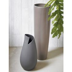 Large floor vases, love the color and shapes =)