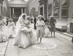 Amazing behind-the-scenes pictures of the 1981 royal wedding