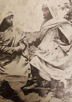 1911 Trablusgarp Çöl gerillası; Gazi Mustafa Kemal. Kılık değiştirerek gittiği Libya'daki ilk günlerinde... Turkish Soldiers, Turkish Army, Turkey History, The Legend Of Heroes, Islam, The Turk, Ottoman Empire, Historical Pictures, Held