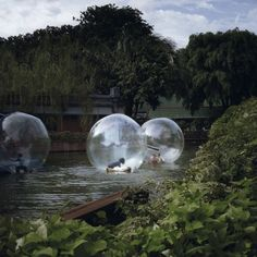 balloons (from dream city) -  anoek steketee (2010).