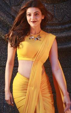 Most Beautiful Bollywood Actress, Bollywood Actress Hot Photos, Indian Bollywood Actress, Bollywood Girls, Beautiful Actresses, Vintage Bollywood, Indian Actresses, Beautiful Girl In India, Beautiful Girl Body