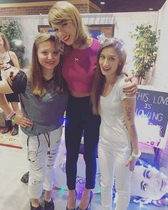 Taylor and fans in Loft '89 Indianapolis! 9.16.15