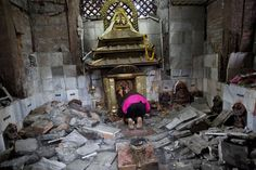 Nepal earthquake 2015: Heartbreaking photos, death toll climbs ...