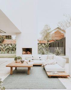 summer home design ideas. outdoor home decor inspiration. Outdoor Lounge, Outdoor Spaces, Outdoor Couch, Outdoor Seating, Outdoor Patio Designs, Patio Ideas, Outdoor Decor, Style At Home, Home Living