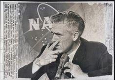 1965 Press Photo John Hodge,Gemini 5 flight director | Historic Images