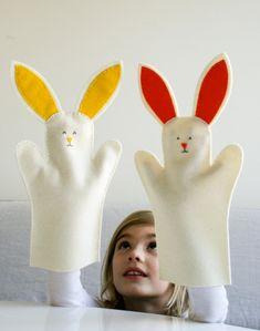 mit Kindern-basteln Ostern Handpuppen hasenform