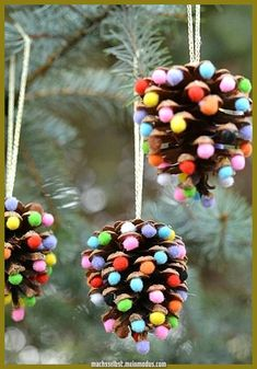DIY Christmas decorations: 3 simple ideas for tinkering- DIY-Weihnachtsdeko: 3 einfache Ideen zum Nachbasteln In the run-up to Christmas you can easily get creative yourself and conjure up beautiful X-Mas decorative things that are ready in no time … - Handmade Ornaments, Handmade Christmas, Christmas Crafts, Christmas Ornaments, Christmas Clay, Christmas Ideas, Christmas Time, Beautiful Christmas Decorations, Homemade Christmas Decorations