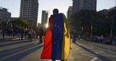 """""""CON MI CARRERA NO TENDRÉ FUTURO"""": Así se rebuscan los venezolanos en el exterior"""