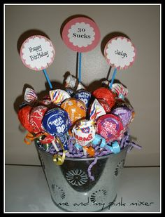 Cute 30th Birthday Party Centerpiece Ers Can Be Taken Home As Favors