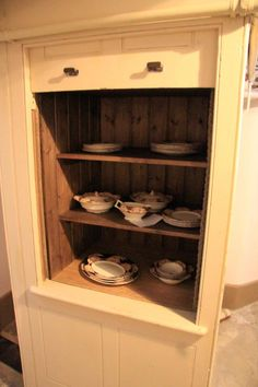 If the dumbwaiter in Mitzi Bytes had been used to store crockery, my character would have been shit out of luck.