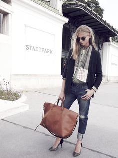 Madewell Transport Weekender worn with cargo workshirt + plate collar necklace.