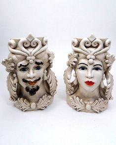 ab3c15f72d29d4 Originali vasi realizzati e dipinti a mano, in ceramica antichizzata di  Caltagirone. Un'