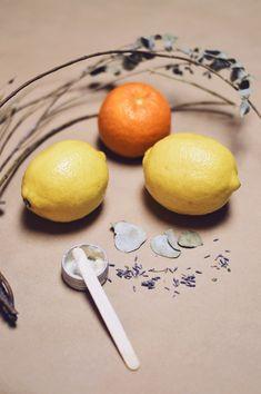 yellow lemon fruit beside silver fork on white and blue floral textile Organic Skin Care, Natural Skin Care, Lemon Pictures, Natural Acne Remedies, Kitchen Prints, Kitchen Decor, Exfoliating Scrub, Lemon Print, Homemade Dog Treats