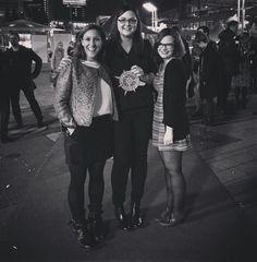 Die drei -Damen von Forever, @piperverlag und @carlsenverlag und ihr taufrischer Virenschleuderpreis für die #Herzenstage!  Wir danken euch für euren Support und freuen uns umso mehr auf 2016!