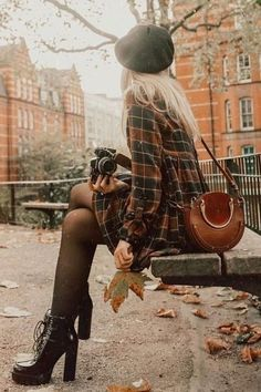 99 Fabulous Fall Outfits Ideas To Wear Everyday I bet all of the things that are listed here, you have somewhere in your closet, so you won't have … Korean Fashion Trends, Fall Fashion Trends, Latest Fashion For Women, Latest Fashion Trends, Autumn Fashion, Womens Fashion, Fashion Ideas, Urban Fashion, 90s Fashion
