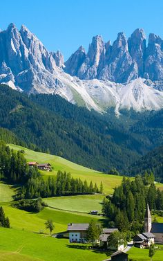 The 5 Greenest Countries On Earth (And All Of The Rest), Ranked -- Want to live in a beautiful nation that protects your health? It turns out Switzerland is your best bet (the chocolate is also good). Beautiful Nature Pictures, Beautiful Nature Wallpaper, Amazing Nature, Beautiful Landscapes, Beautiful Places To Travel, Wonderful Places, Beautiful World, Landscape Photography, Nature Photography