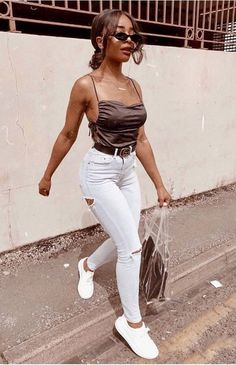 vibes Blind mouse Wearing venusvirgoofficial style Robyn and this dreamy topshop cami. Cute Casual Outfits, Chic Outfits, Casual Chic, Fashion Outfits, Spring Outfits, Black Women Fashion, Womens Fashion, Carnival Outfits, Vetement Fashion